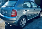 Skoda Fabia 1.4 бензин 50 кВ мануал. Техосмотр действует: 03.2022 . Пробег: 235000 . Цена : 1000евро.